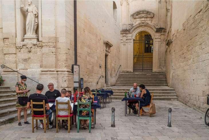Barocco salentino, un viaggio tra i riflessi di pietra chiara