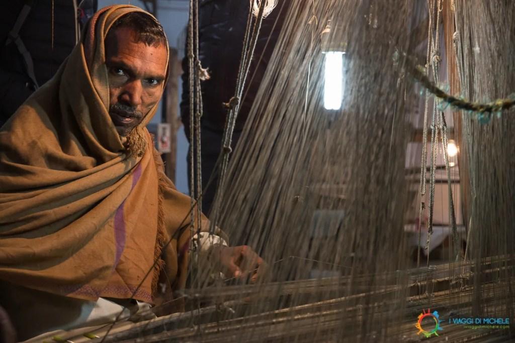 Il Tessitore di seta a Varanasi - Fotografia di Viaggio