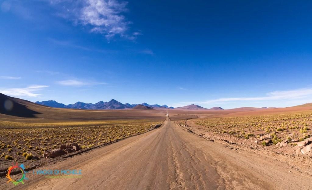 La strada per il Gayser el Tatio, Cile