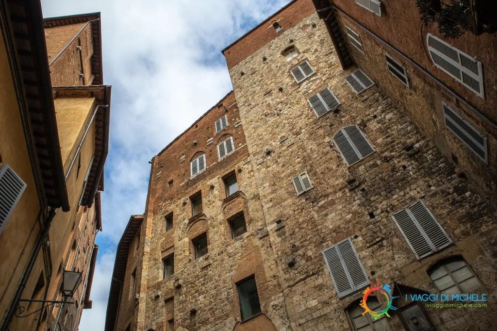 Tipica Casa Torre Senese - Visitare Siena