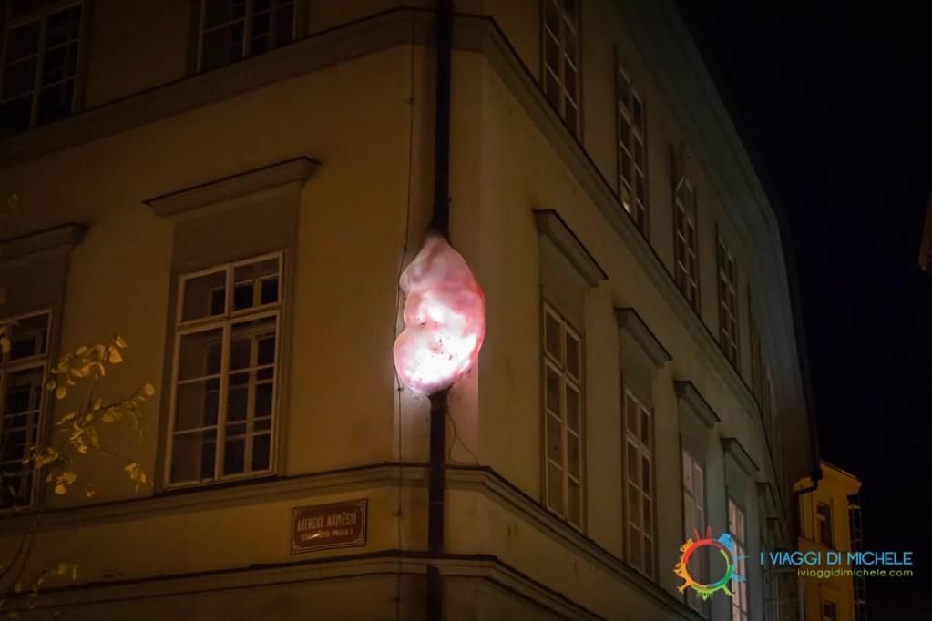 Embryo David Černý - Cosa vedere a Praga