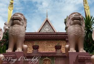 Phnom Penh Wat Phnom ingresso