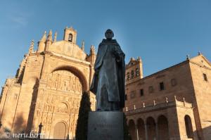 Statua di Francisco de Vitoria