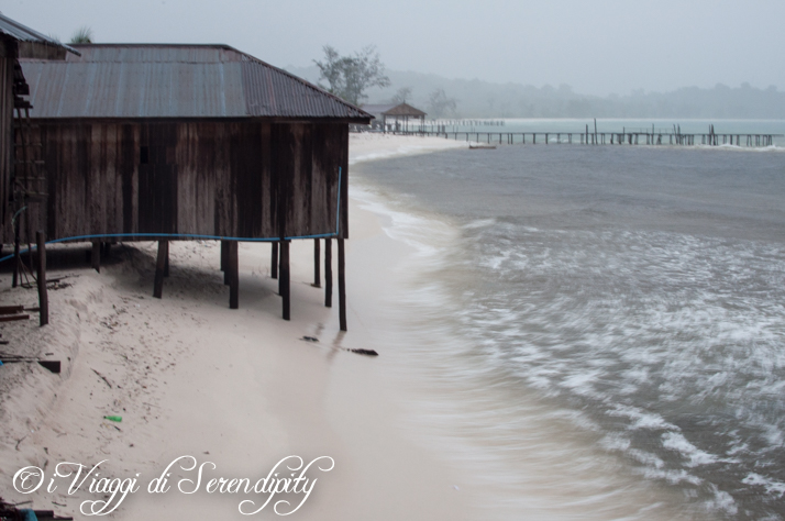 Isola di Koh Rong Cambogia tempesta