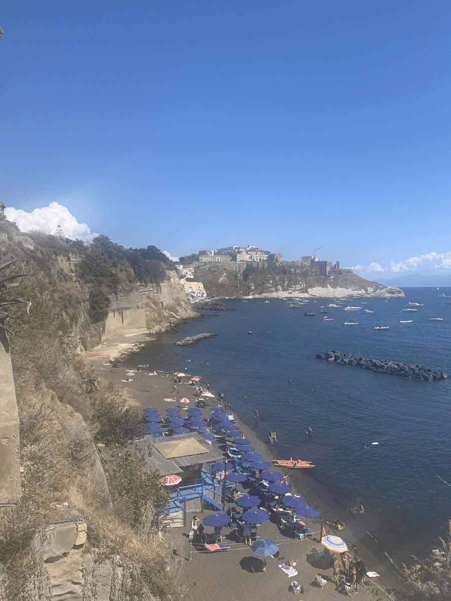 Spiaggia di Chiaia a Procida