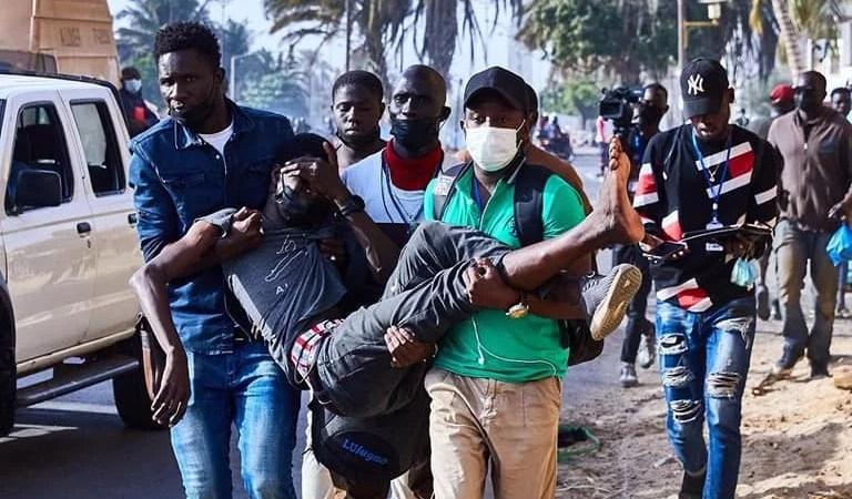 URGENT: Sénégal au bord d'une gère civile?