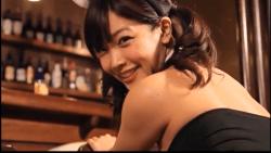藤田恵名 エロバニーがバーでお尻突き出してくる