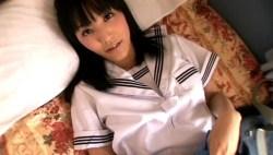 浜田由梨 かわいいJKが制服脱いで手ブラで誘惑してくる