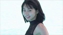 武田玲奈 黒いセクシー水着でプールで泳いだりバレエスタジオでレオタード汗をかいたり
