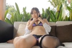 佐々木麻衣 エロいCAのお姉さんがいやらしくパンティ姿でお尻を見せつけてくる
