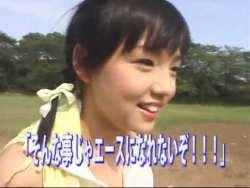 篠崎愛 巨乳美少女が学校の廊下を雑巾掛けたり、テニスで巨乳揺らしたり