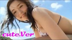 篠崎愛 ビーチで身体濡らしながらビキニになって豊満な身体見せながら楽しむ