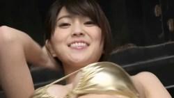森咲智美 エロいRQがゴールドビキニになって腰振りダンス