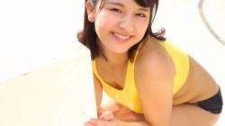 徳江かな エロい身体の彼女がホットパンツ姿でかわいらしくフラダンス