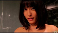 今野杏南 可愛い彼女がお風呂で擬似手コキしてくれたりおっぱいツンツンとブラシでいたずらしたり