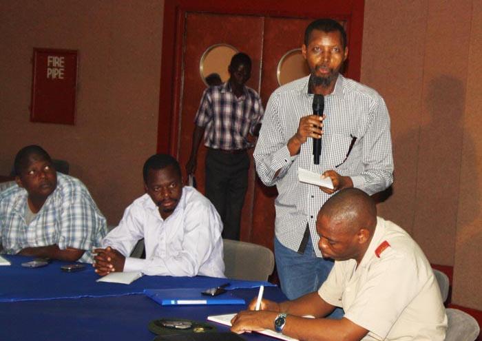 https://i1.wp.com/www.iwacu-burundi.org/wp-content/uploads/2014/02/Muhozi-a-d%C3%A9nonc%C3%A9-un-langage-de-bois-dans-les-r%C3%A9ponses-alors-que-la-situation-est-grave.jpg