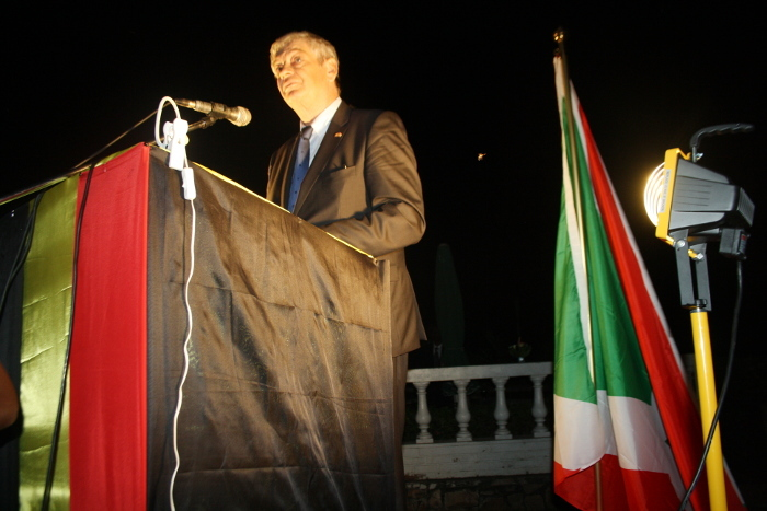 https://i1.wp.com/www.iwacu-burundi.org/wp-content/uploads/2014/07/Lambassadeur-de-Belgique-au-Burundi.jpg