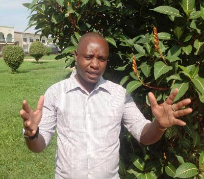 Christophe Ntawuyankira, le rescapé de ce carnage de Rukaramu : « Des machines ont creusé une tranchée et on a déposé les cercueils dedans » ©Iwacu