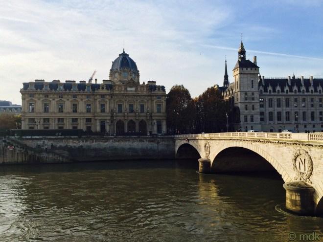 A green and murky Seine