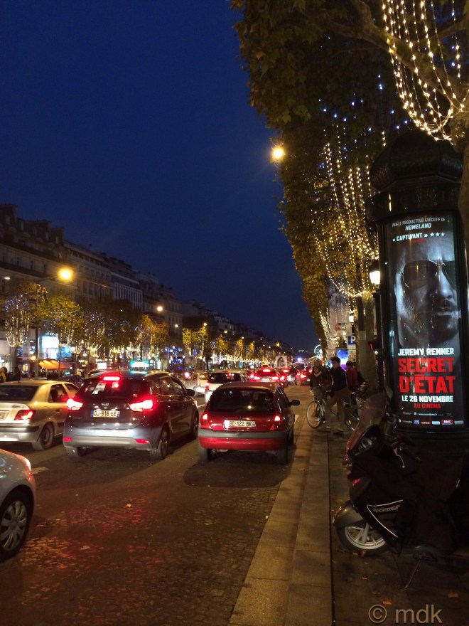 The madness of the Champs Élysées