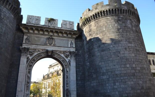 ITALIE - Naples - Porte