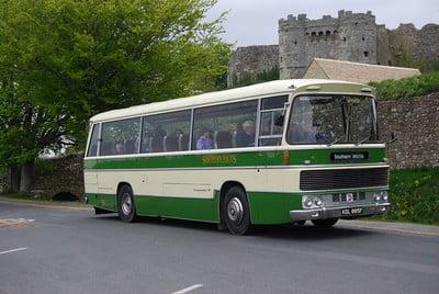 301 (KDL 885F) at Carisbrooke Castle