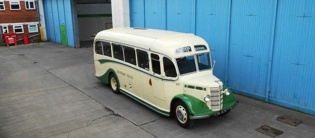 Bedford OB – 216 (FDL 676)