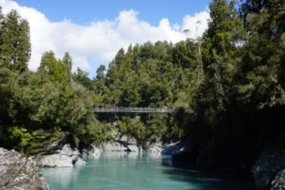 Le pont suspendu vu depuis la fin de la balade.