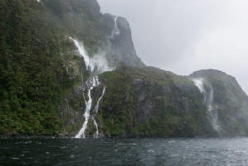Avec le vent l'eau de cette cascade remontait vers le haut !