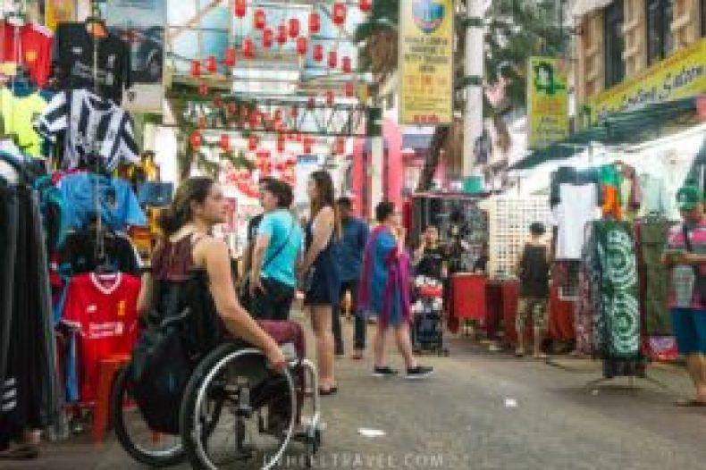 Dans les rues de Chinatown.