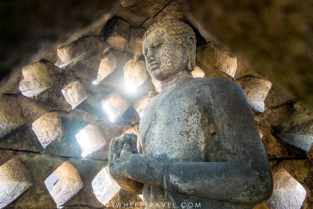 Bouddha cloche Borobudur