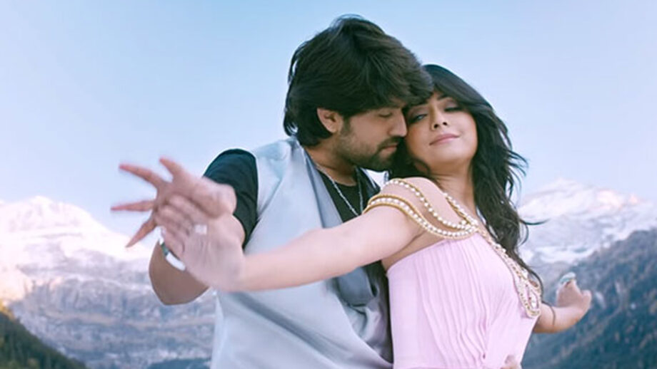 Cute Couple Alert Yash And Radhika Pandit S Romance Will Melt Your Hearts Iwmbuzz