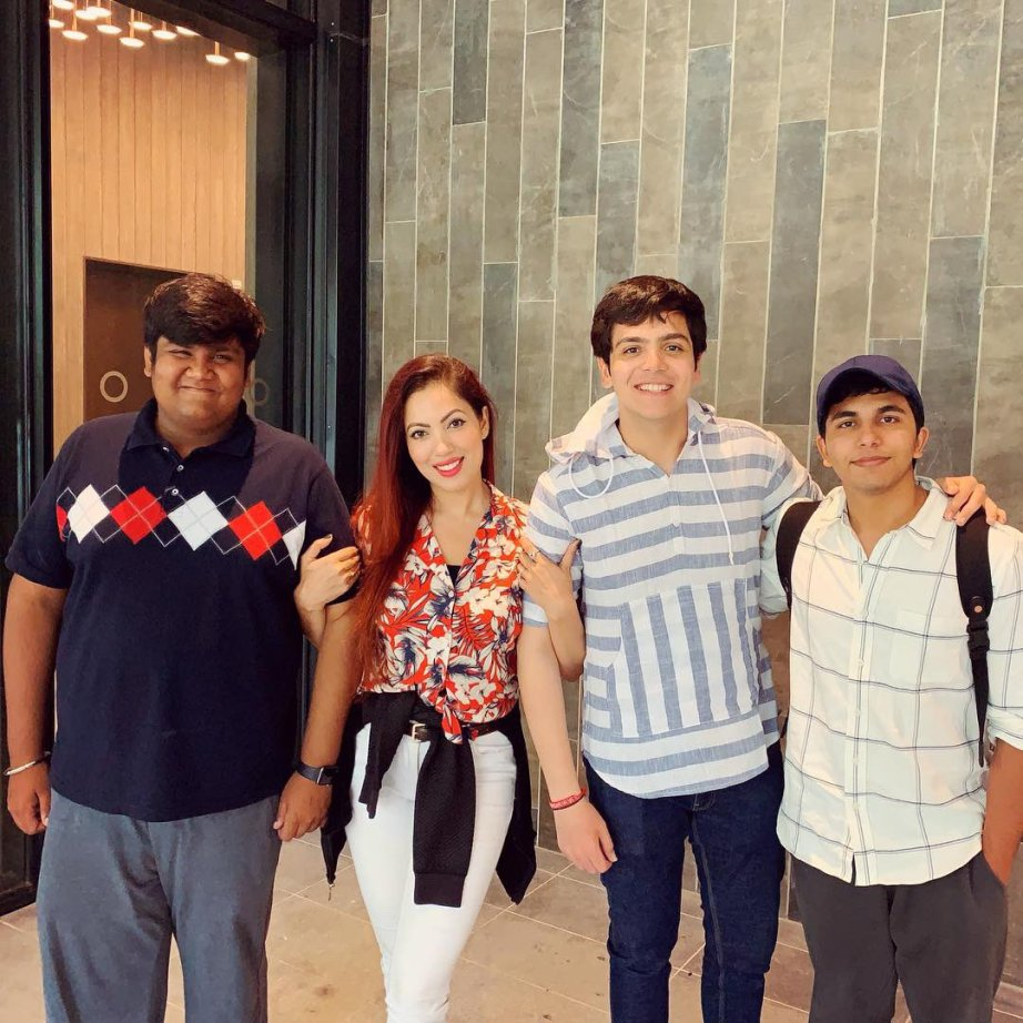 Raj Anadkat & Munmun Dutta's unseen cosy photos together that will surprise  you | IWMBuzz