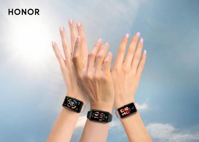 В России стартовали продажи умного браслета Honor Band 6 с огромным экраном