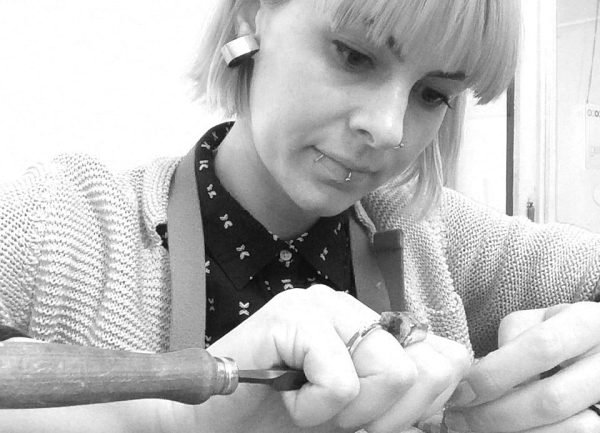 Izabella Petrut making art jewelry