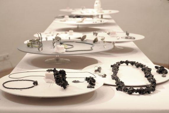 jewelry studio, art jewelry exhibition. Izabella Petrut contemporary jewelry design. Atelier Stossimhimmel Vienna