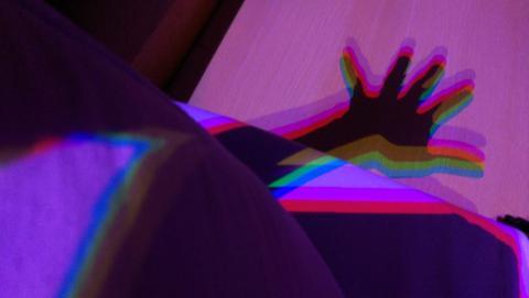 J'ai fait Holi dans mon lit - Crédit photo izart.fr