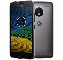 Motorola Moto G5 with Fitbit Flex Band