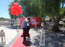 Alaçatı Değirmenlerde Evlilik Teklifi Organizasyonu