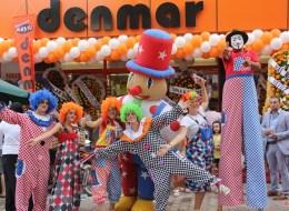 İzmir Şişme Maskot Kiralama Tahta Bacak Gösterisi