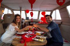 izmir teknede evlenme teklifi tekne kiralama 17 - Teknede Evlenme Teklifi Organizasyonu
