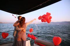 yat kiralama izmir yatta evlenme teklifi organizasyonu izmir 03 - Yatta Evlenme Teklifi Organizasyonu