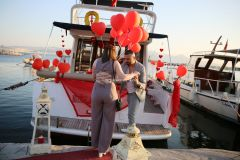 yat kiralama izmir yatta evlenme teklifi organizasyonu izmir 12 - Yatta Evlenme Teklifi Organizasyonu