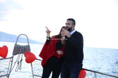 Mutluluk Teknesi Tuğçe Selim İzmir Organizasyon 9 - Teknede Evlenme Teklifi Organizasyonu