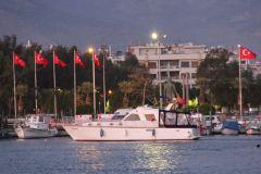 Saatlik tekne kiralama izmir tekne kiralama 2 - Teknede Balık Turu