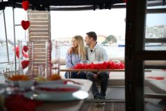 izmir tekne kiralama 7 - Teknede Evlilik Teklifi Organizasyonu 2