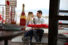 izmir tekne kiralama 8 - Teknede Evlilik Teklifi Organizasyonu 2