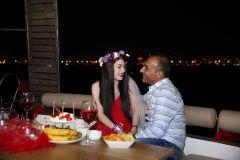 izmir tekne kiralama 18 - Hıdırellez'de Teknede Havai Fişek ile Evlenme Teklifi Organizasyonu