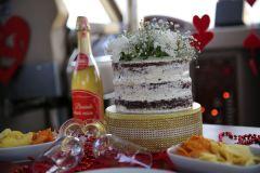 mutluluk teknesinde butik pastalar izmir tekne kiralama 8 - Mutluluk Teknesi'nde Butik Pastalar