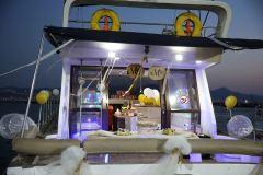 yatta havai fisek esliginde evlenme teklifi organizasyonu izmir tekne kiralama 4 - Saatlik Tekne Kiralama